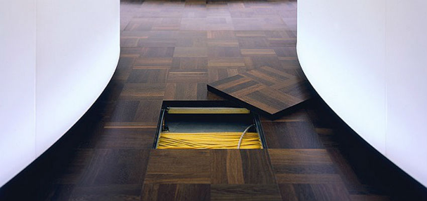 Wood-finish-raised-floor-systems