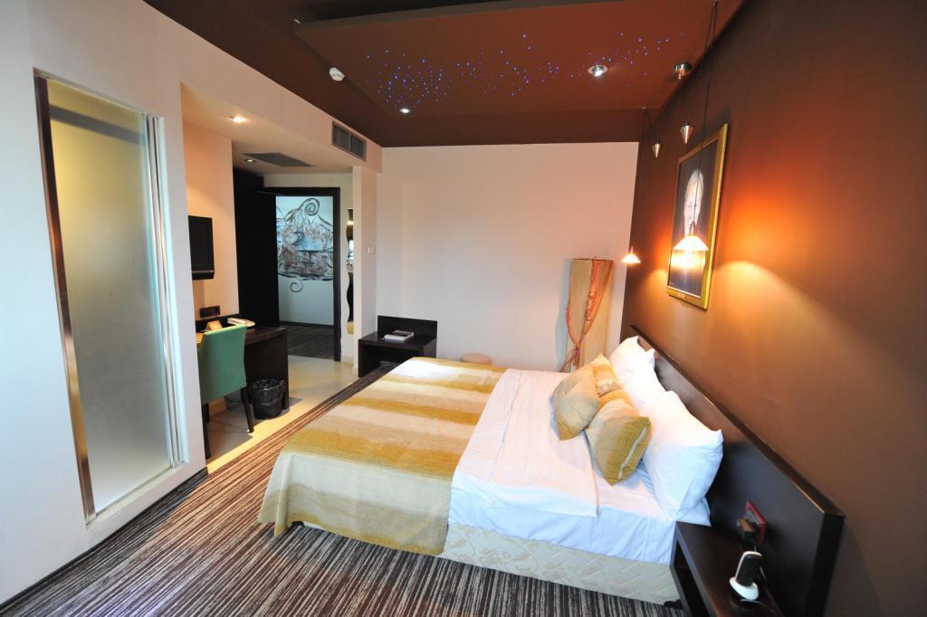 Soba 7 levelo podovi for Design hotel mr president karadjordjeva 75